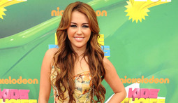 Mantenna - Miley Cyrus Feels Unloved