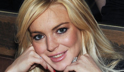 Mantenna – Lindsay Lohan Shoots a Commercial During House Arrest
