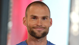 Mantenna - Sean William Scott Goes to Rehab
