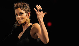 Mantenna – Halle Berry Terrified by Stalker