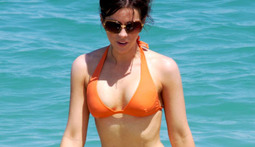 Bikini Poll of the Week: Kate Beckinsale