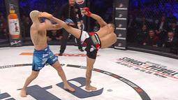 Marcos Galvao vs. Emmanuel Sanchez