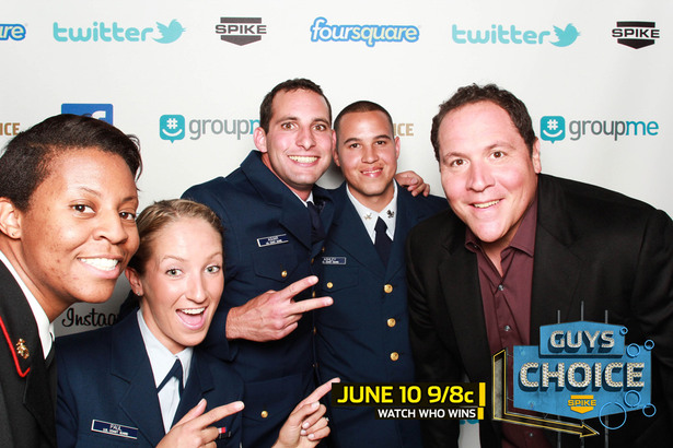 Guys Choice 2011 Smilebooth Pics With The Troops