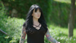 Meet the Angels: Nikki Simpson
