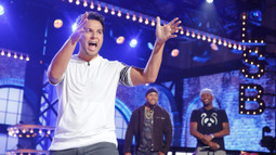 "Sneak Peek: Skylar Astin Performs ""Where Are Ü Now"""